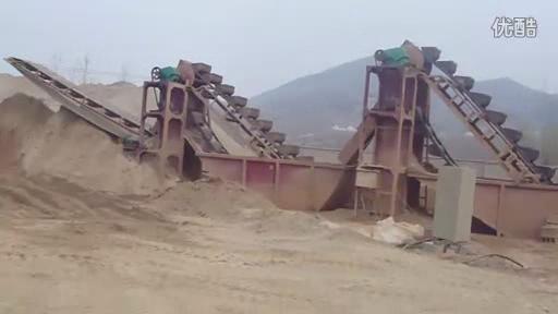 挖斗破碎洗砂机